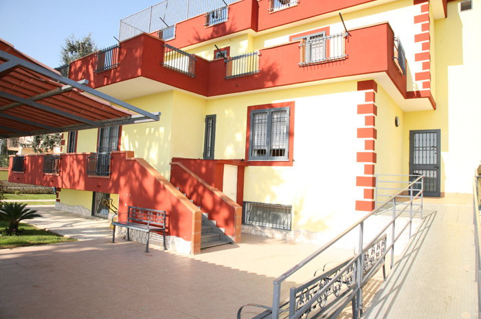 Casa alloggio per disagio psichico varcaturo servizi for Casa alloggio